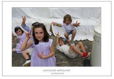 Niños divirtiéndose en boda