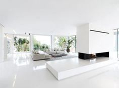 Weiße Villa Innenraum Sitzmöbel Polstersessel Zimmerpflanzen Haus Pläne,  Kamin Modern, Wohn Esszimmer