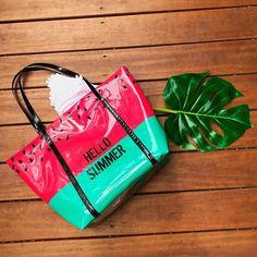 7a6414f1b As bolsas de praia da Convexo estão lindas e farão você arrasar