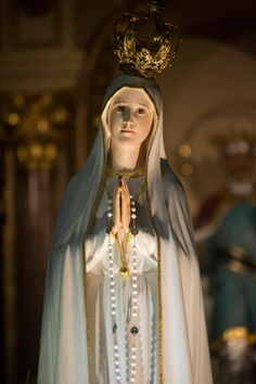 Our Lady of Fatima Jesus Mother, Blessed Mother Mary, Blessed Virgin Mary, Lady Mary, Baby Jesus Pictures, Catholic Wallpaper, Infant Of Prague, Jesus Christ Images, Church Stage Design