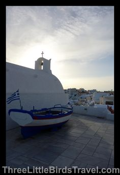 Loved walking around Oia, Santorini - Greece. So obsessed with the blue and white colors!