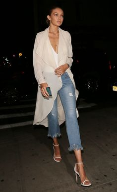 Gigi Hadid in Flynn Skye out in NYC. Estilo Gigi Hadid, Gigi Hadid Style, Hollywood Fashion, Denim Fashion, Her Style, Chic Outfits, Casual Chic, Jeans, Celebrity Style