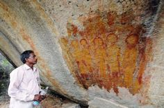 10,000 year old cave paintings of UFO's and Aliens discovered in India