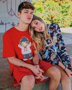 Relationship Pictures, Cute Relationship Goals, Cute Relationships, Love Couple, Couple Goals, Arab Men Fashion, Crushes Tumblr, Marcus And Lucas, Parejas Goals Tumblr