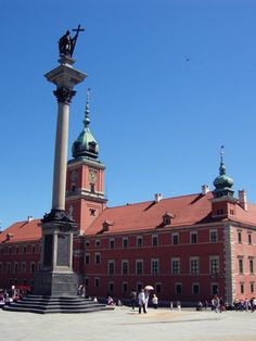 Warsaw is a great city with amazing attractions. Which are the most interesting and what should you see in Warsaw. Warsaw, Cn Tower, Old Town, Attraction, Places To Visit, Old Things, The Incredibles, City, Building