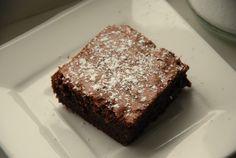 Gode, men smakte ikkje heilt som browniesene me er vant til. Steikte kaka i 30 min, då blei ho alt for tørr. Brownies, Bread And Pastries, Vanilla Ice Cream, Sugar Rush, Sheet Pan, Sweet Tooth, Oven, Sweets, Baking