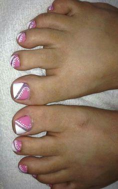 Very pretty toes! Toenail Art Designs, Pedicure Designs, Pedicure Nail Art, Toe Nail Designs, Toe Nail Art, Nail Art Diy, Pedicure Ideas, Pretty Toe Nails, Cute Toe Nails
