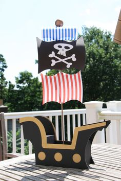 Black & Gold Pirate Ship Centerpiece or Cake Pop Display on Etsy, $55.00