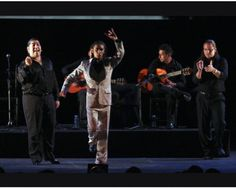 El 8 de abril se celebra el Día Internacional del Pueblo Gitano. Los gitanos han jugado un papel fundamental en el desarrollo del flamenco, dentro de la lista del Patrimonio Cultural Inmaterial de la Humanidad. http://www.muyinteresante.es/innovacion/sociedad/fotos/fotos-patrimonio-cultural-inmaterial-humanidad-espana/fotos-patri4___2238