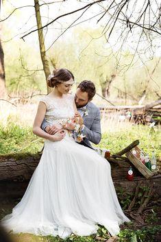 brautpaar im Wald - frühlingshafte Hochzeitsfotos