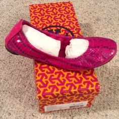 Tory Burch Eddie Snakeskin Flats NWT Tory Burch flats, magenta color, with hints of black and grey. Brand New in box, bout but never worn. Open to reasonable offers. Will ship with box. Tory Burch Shoes Flats & Loafers