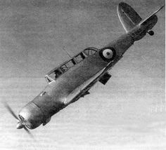 1937 - flight of The Blackburn Skua, british carrier-based low-wing, two-seater, single-radial engine aircraft operated by the British Fleet Air Arm which combined the functions of a dive bomber and fighter. Navy Aircraft, Ww2 Aircraft, Aircraft Carrier, Military Aircraft, Radial Engine, Ww2 Pictures, Sky Photos, Royal Navy, World War Two