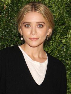 Dezente Smokey Eyes für einen ausdrucksstarken Blick, wie den von Ashley Olsen