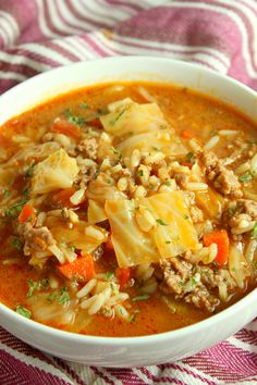 Best Ever Cabbage Roll Soup! Best Ever Cabbage Roll Soup! Cabbage Soup Recipes, Stuff Cabbage Soup, Soup With Cabbage, Crockpot Cabbage Soup, Cabbage Curry, Cabbage Rice, Fried Cabbage, Clean Eating, Eating Healthy