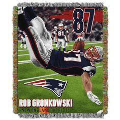 "This OFFICIAL Rob Gronkowski New England Patriots NFL ""Players"" Woven Tapestry Throw by The Northwest Company is amazingly detailed and colorful. New England Patriots Players, New England Patriots Merchandise, Patriots Fans, Gronk Patriots, Patriots 2017, Patriots Superbowl, Patriots Logo, England Football, Patriots Bedding"