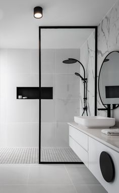 Bathroom Design Small, Bathroom Interior Design, Modern Bathroom, Minimalist Small Bathrooms, Black White Bathrooms, Bathroom Tapware, Bathroom Renos, Home Room Design, House Rooms