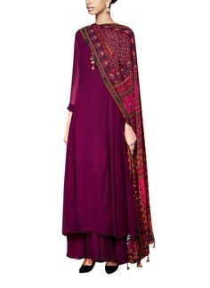 A gorgeous georgette kurta and sharara in wine with a digitally printed dupatta with sequins. Wear it as an evening wear occasion, styled with minimal gold jewellery for a chic, understated look.