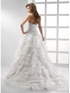 Une ligne-aimée sans bretelles robe de mariée en organza