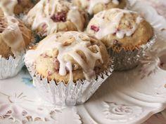 Raspberry–Cream Cheese Muffins