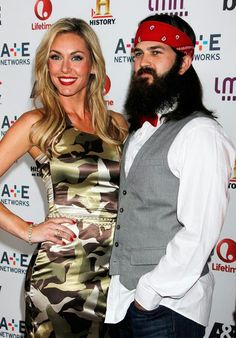 Jep and Jessica rockin the duck commander dress! Robertson Family, Phil Robertson, Duck Commander, Jep And Jessica, Duck Dynasty Family, You Don't Know Jack, Redneck Humor, Duck Calls, Quack Quack