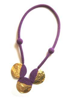 Wonderful crochet jewellery by Teresa Degleri Textile Jewelry, Paper Jewelry, Fabric Jewelry, Diy Jewelry, Jewelry Making, Felted Jewelry, Textiles, Crochet Necklace, Crochet Jewellery