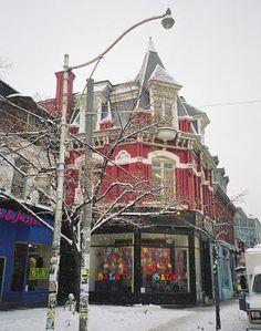 Winter scene on Queen Street West, Toronto