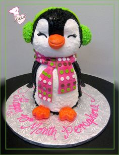3D cake in the shape of a baby pinguin