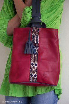 Handmade Purses, Leather Bags Handmade, Leather Craft, Hippie Bags, Popular Handbags, Bag Patterns To Sew, Beautiful Handbags, Denim Bag, Leather Necklace