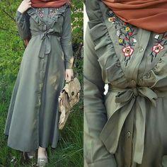 Ideas Style Hijab Hiver 2019 For 2019 Iranian Women Fashion, Islamic Fashion, Muslim Fashion, Modest Fashion, Fashion Outfits, Hijab Outfit, Hijab Dress, Modest Dresses, Pretty Dresses