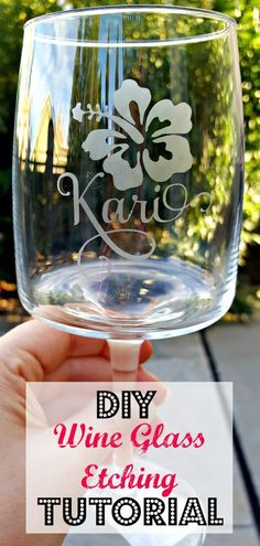 Etched Glass Easy Step by Step Tutorial! - Leap of Faith Crafting Step by step tutorial for making DIY etched glasses. Can etch glass for gifts or just for fun!Step by step tutorial for making DIY etched glasses. Can etch glass for gifts or just for fun! Dremel 3000, Etched Wine Glasses, Painted Wine Glasses, Vinyl Glasses, Personalized Wine Glasses, Personalized Items, Wine Glass Crafts, Wine Bottle Crafts, Wine Bottles