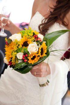 bouquet per la sposa con girasoli e rose http://www.matrimonio.it/ita/