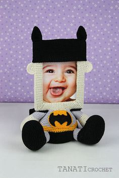 Photo Frame BATMAN-Crochet tutorial PDF file by TANATIcrochet