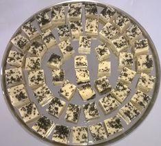 ¤¤¤ Karamellikengät ¤¤¤: Valkosuklaa-turkinpippurifudget Plates, Tableware, Licence Plates, Dishes, Dinnerware, Plate, Tablewares, Dish, Place Settings