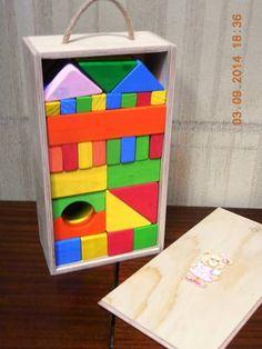 56 bloques de madera artesanal, en caja de madera con tapa