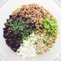 Kotleciki z kaszy gryczanej i czarnej fasoli - erVegan Vegan Dinners, Risotto, Cabbage, Clean Eating, Food And Drink, Vegetables, Ethnic Recipes, Clean Meals, Vegetarian Dinners