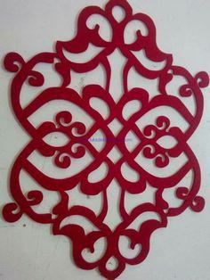 جوخ Motifs Islamiques, Cutwork Embroidery, Scroll Design, Champagne Glasses, Pattern And Decoration, Applique Patterns, Quilting Designs, Doilies, Paper Cutting