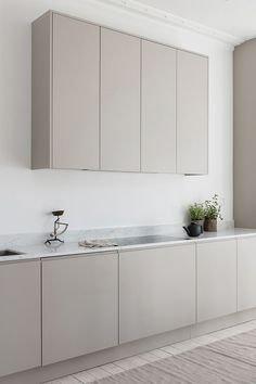 Apartment Kitchen, Home Decor Kitchen, Kitchen Interior, Kitchen Art, Kitchen Ideas, Luxury Homes Interior, Home Interior Design, Interior Colors, Interior Plants