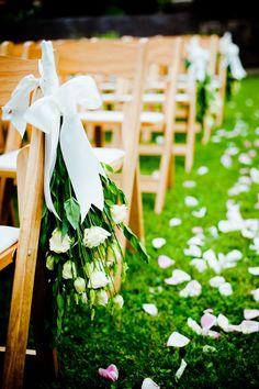Photography: W Studios New York - wstudiosnewyork.com Floral Design: Calli Craumer - mcardles.com   Read More on SMP: http://stylemepretty.com/vault/gallery/13747