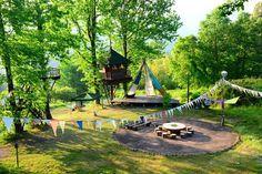 バルンバルンの森は、大分県を代表する景勝地・耶馬渓の「青の洞門」の近くにあるキャンプ場。キャンプの楽しみや大自然だけでなく、可愛いカフェに雑貨店など、色々な楽しみがギュッと詰まった素敵な森です。