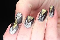 Who says gold and silver could not be mixed is wrong! Loving this duo tone@nailart!