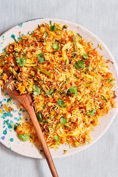 Meals to make and give to new parents | Recipes that come to the rescue when babies are keeping 'em busy! Ginger Green Beans, Carrots And Green Beans, Baby Food Recipes, Eid Recipes, Cooking Recipes, Red Chili Peppers, Canned Tomato Sauce, Biryani, Fresh Mint