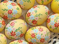 Real hand-painted Easter eggs - set of 6 eggs Egg Crafts, Easter Crafts, Spring Crafts, Holiday Crafts, Easter Egg Designs, Ukrainian Easter Eggs, Diy Ostern, Egg Art, Easter Celebration