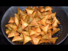 How to Make Somosa సమోసా Beignets, Pancakes For Dinner, Pakora Recipes, Evening Snacks, Cooking Recipes, Healthy Recipes, Indonesian Food, Food Crafts, Indian Dishes