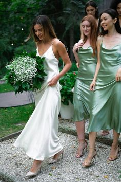 Silk Bridesmaid Dresses, Wedding Bridesmaids, Date Dresses, Dream Wedding Dresses, Green Dress, Silk Dress, Marie, Queen, Bridal