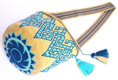 Exceptional Large size bucket single tread Wayuu mochila handmade flower cross body bag