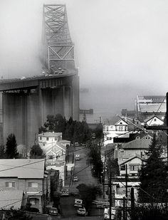 Love the fog around the bridge.   Carquinez Bridge, Crockett, California by Dizzy Atmosphere, via Flickr