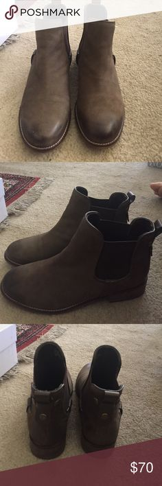 """Steve Madden Chelsea boots Brown Chelsea boots from Steve Madden. Really cute and comfy and real leather. Style is called """"gilte"""" and these retail for $140. Only worn once Steve Madden Shoes Ankle Boots & Booties"""