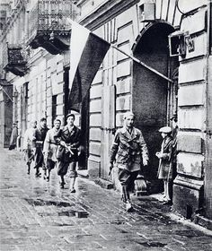 On this day in history: Polish insurgent fighter Lieutenant Stanislaw Jankowski and his men moments before W-hour hours) which marked the start of the Warsaw Uprising Warsaw Poland 1 August Poland Ww2, Invasion Of Poland, Warsaw Poland, Warsaw Ghetto Uprising, Poland History, History Online, Military History, World War Two, Wwii