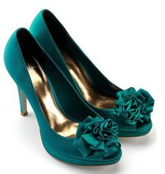If I could find these shoes, they'd be perfect!
