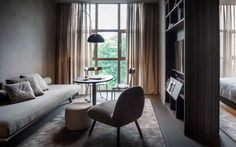 me milan il duca – Alessandro Pasinelli - Stylist in the field of design, interiors and architecture. Small Apartments, Small Spaces, Superior Hotel, Milan Hotel, Small Apartment Interior, Space Interiors, Bedroom Bed, House Goals, Home Office
